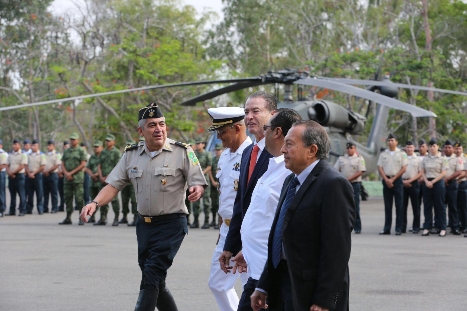 Image result for José Eduvigildo Carranza en helicoptero